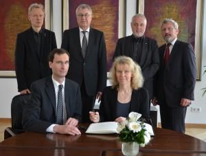 Elena Bleß-Stiftung anerkannt kleiner